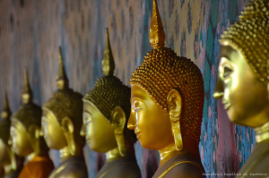 Buddhas dorados en Wat Arun